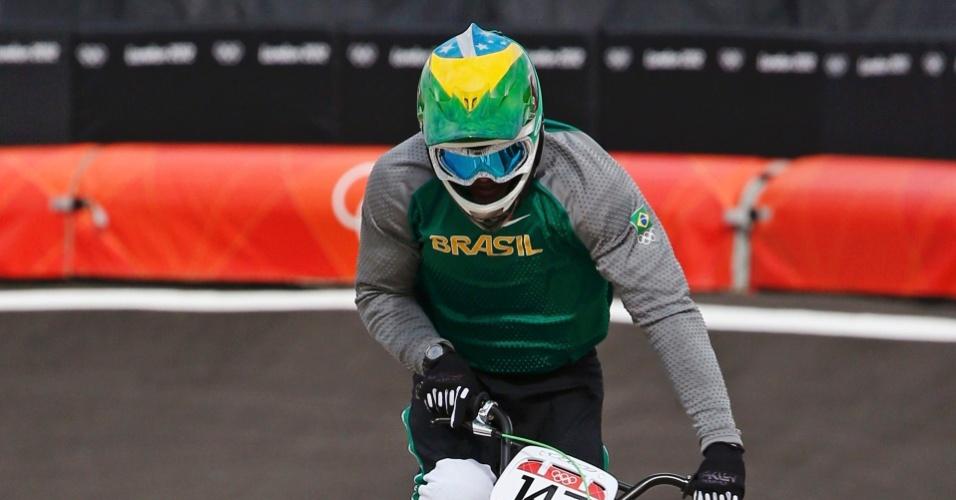 Renato Rezende dá sua volta na fase classificatória do BMX nos Jogos Olímpicos