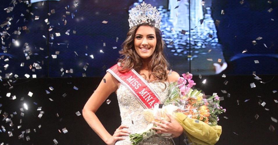 9.ago.2012 - A mineirinha Thiéssia Sickert, representante de Uberaba, foi a estrela da noite de quarta-feira (8), após vencer o Miss Minas Gerais. A beldade vai representar o Estado no Miss Brasil 2012