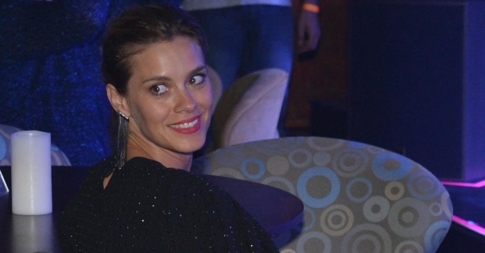 Carolina Dieckmann prestigia o aniversário de Preta Gil na casa de shows Miranda, na zona sul do Rio (8/8/2012)