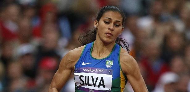 Corredora Ana Claudia Silva é uma das atletas da equipe brasileira dos 4 x 100 m dos Jogos de Londres