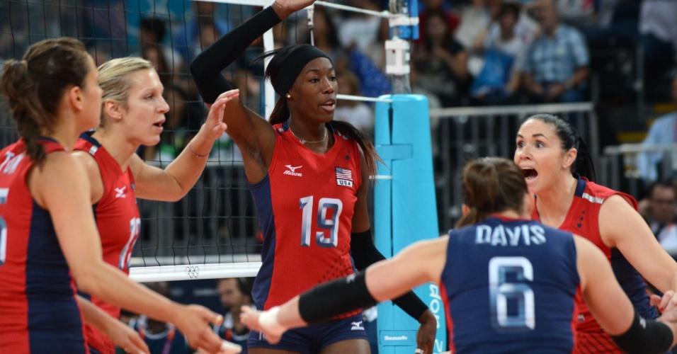 Destinee Hooker, da seleção de voleibol dos EUA