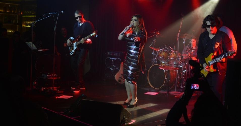 """No dia do seu aniversário, Preta Gil faz show de lançamento do CD """"Sou Como Sou"""", na casa de shows Miranda, na zona sul do Rio (8/8/2012)"""