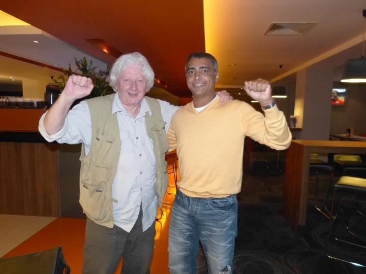 Romário se encontrou com o jornalista Andrew Jennings, conhecido por ter denunciado o ex-presidente da CBF, Ricardo Teixeira