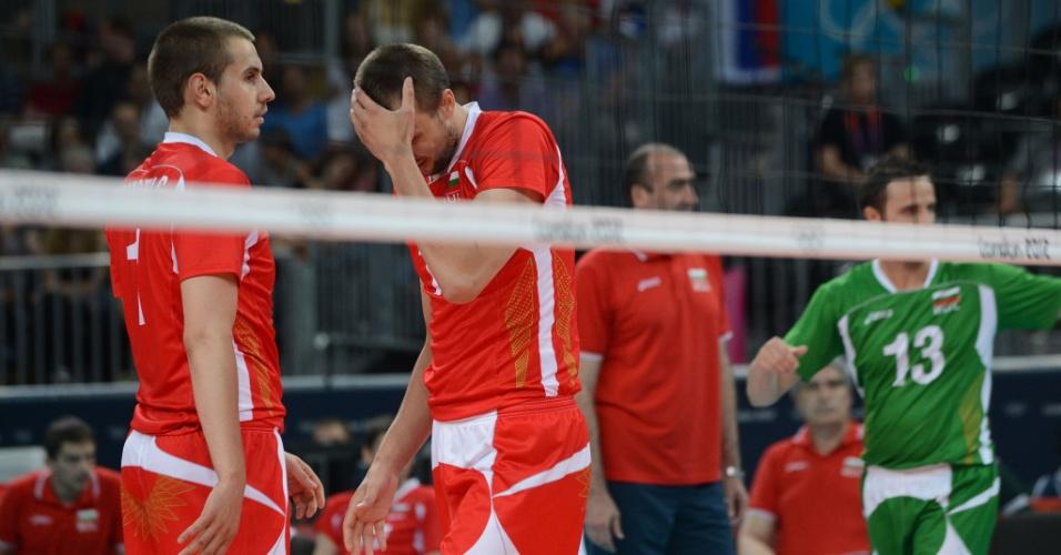 Búlgaro Nikolay Nikolov lamenta um ponto perdido no jogo desta sexta-feira contra a Rússia