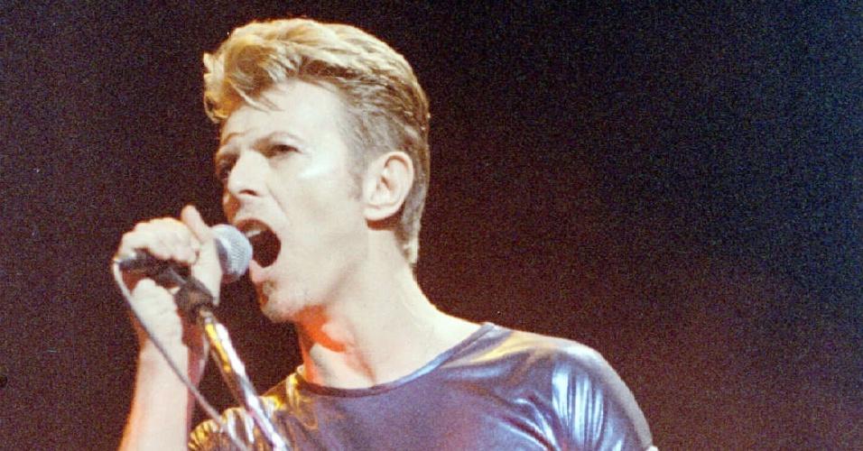 David Bowie faz show em Connecticut (EUA) (14/9/1995)