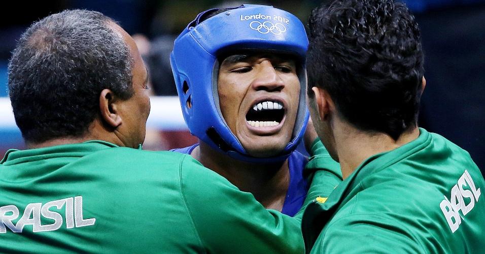 Esquiva Falcão comemora vitória na semifinal da categoria até 75 kg nos Jogos Olímpicos