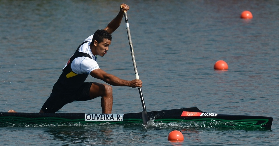 Ronilson Oliveira disputa semifinal da canoagem de velocidade individual. Brasileiro está na final