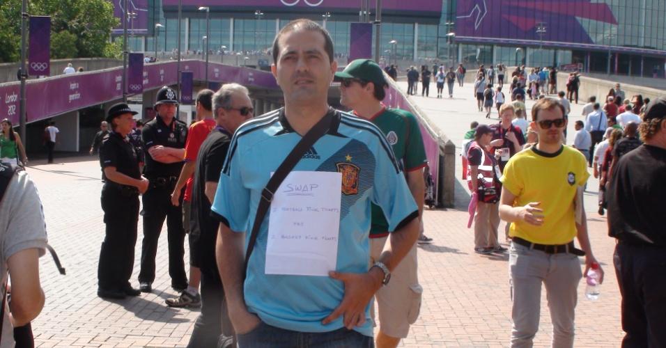 Com a Espanha fora da decisão do futebol, torcedor tenta trocar entradas para final do basquete masculino