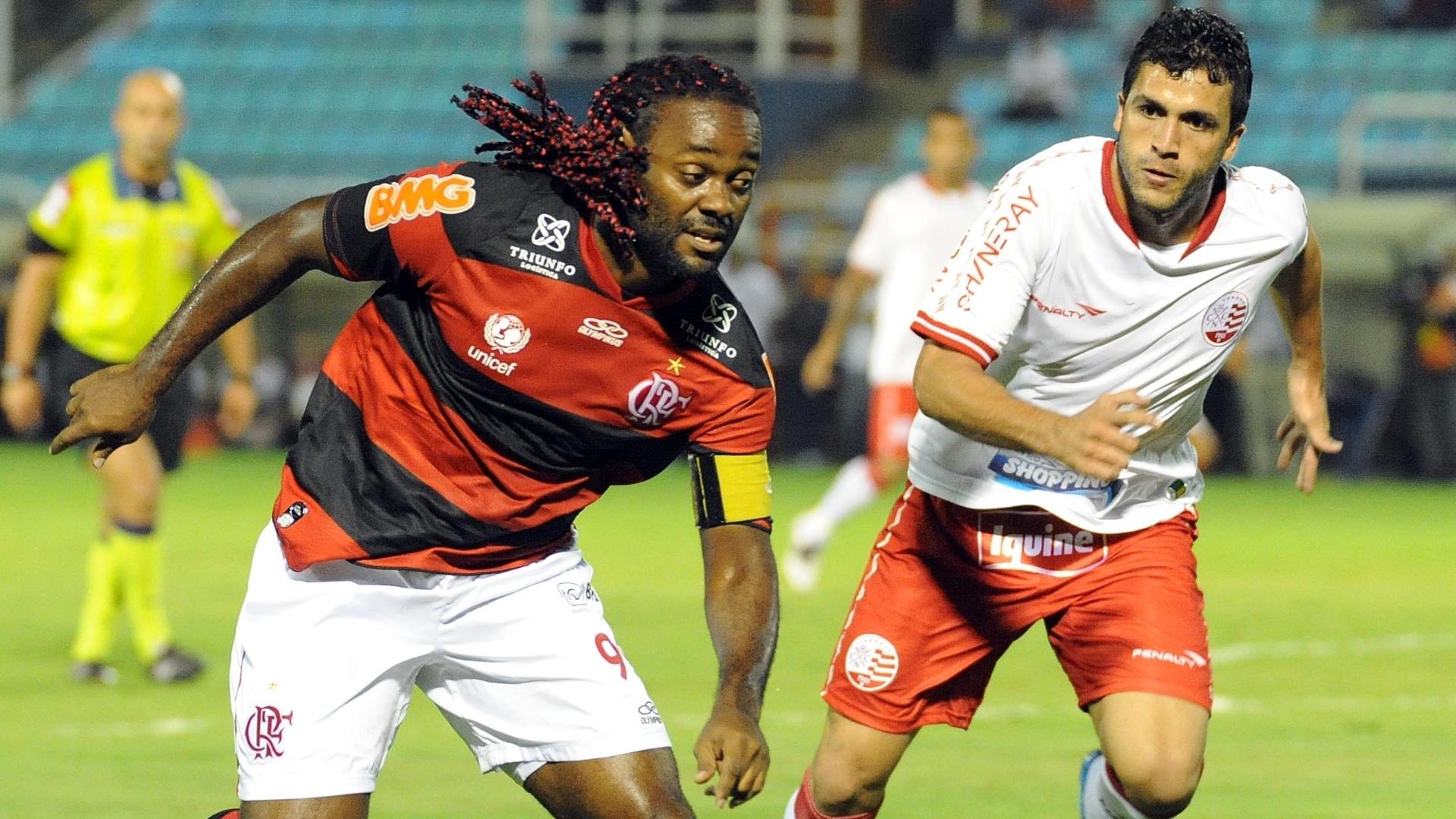 Flamengo, de Love, foi superior ao Náutico na primeira etapa