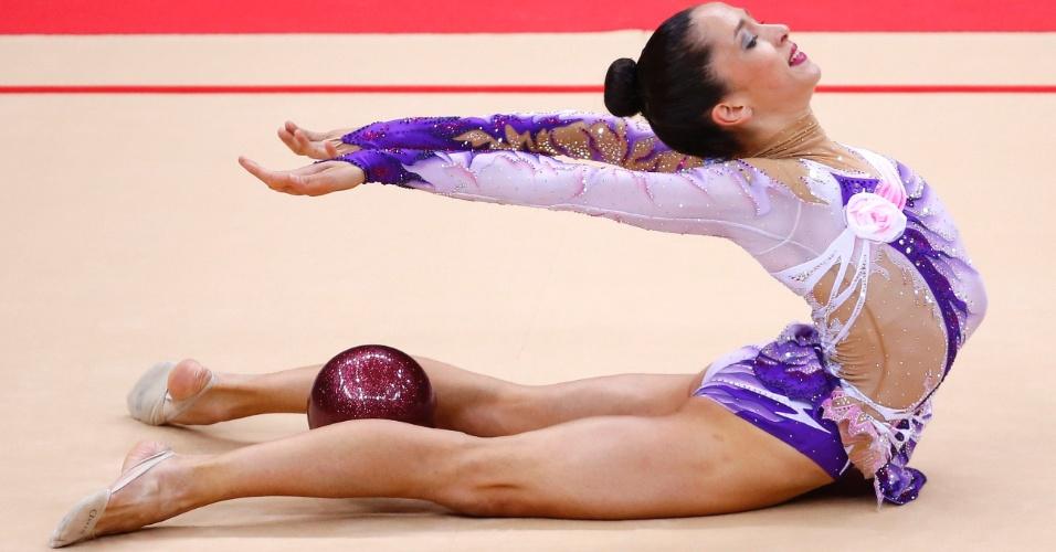 Israelense Neta Rivkin mostra elasticidade em movimento de sua série com a bola na final deste sábado