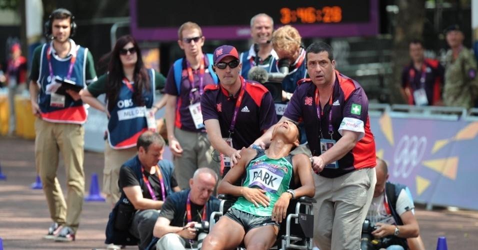 O coreano Chilsung passou mal durante a disputa da marcha atlética e deixou a competição de cadeira de rodas