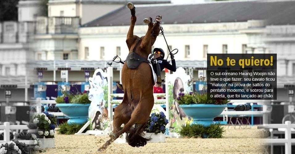"""O sul-coreano Hwang Woojin não teve o que fazer: seu cavalo ficou """"maluco"""" na prova de saltos do pentatlo moderno, e sobrou para o atleta, que foi lançado ao chão"""