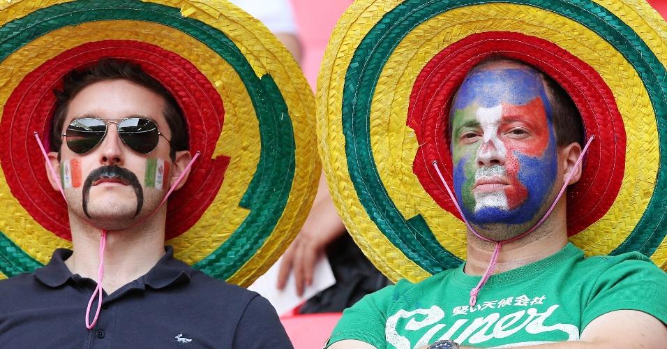 Torcedores mexicanos aguardam início da partida contra o Brasil pela final dos Jogos Olímpicos