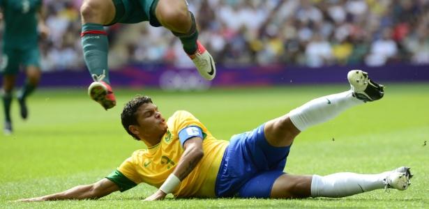 Thiago Silva acabou cortado por uma lesão na coxa e só volta aos gramados  daqui duas b6184063d687b