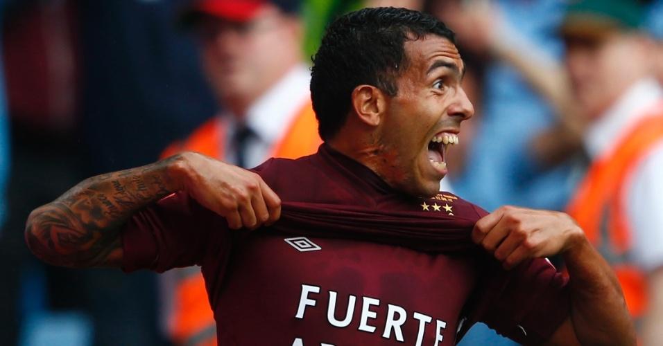 O argentino Carlitos Tevez marcou o segundo gol do City na final da Supercopa da Inglaterra