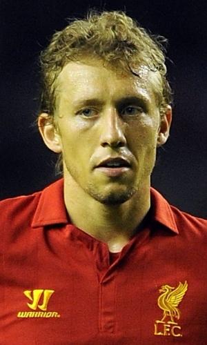 O volante Lucas marcou o segundo do Liverpool na vitória por 3 a 1 sobre o Bayer Leverkusen