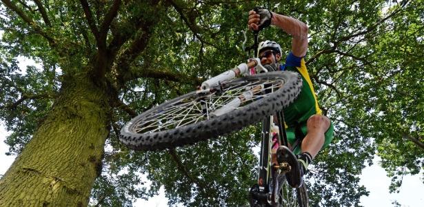 Brasileiro Rubens Donizete terminou na 24ª posição na prova do mountain bike