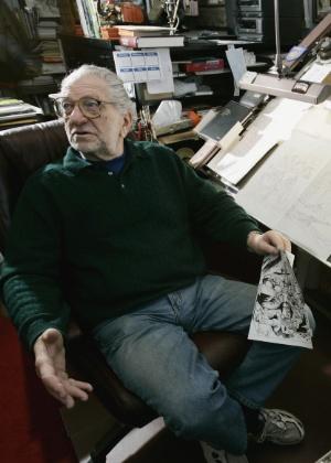 Joe Kubert (1926 - 2012) em sua mesa na Joe Kubert School of Cartooning and Graphic Art, em Dover, Nova Jersey (6/2/2006) - AP Photo/Mike Derer