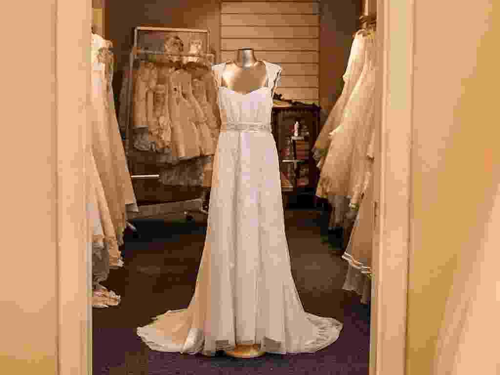 Vestido da loja Black Tie para noivas plus size  - Leonardo Soares/UOL