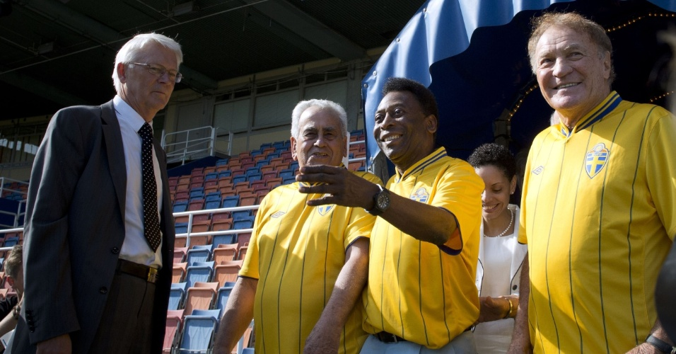 Campeões do mundo em 1958, Zito, Pelé e Mazzola retornam ao Estádio Rasunda, palco da final entre Brasil e Suécia. Os jogadores serão homenageados na próxima quarta-feira no amistoso que marcará a reedição da final e será a última partida do estádio
