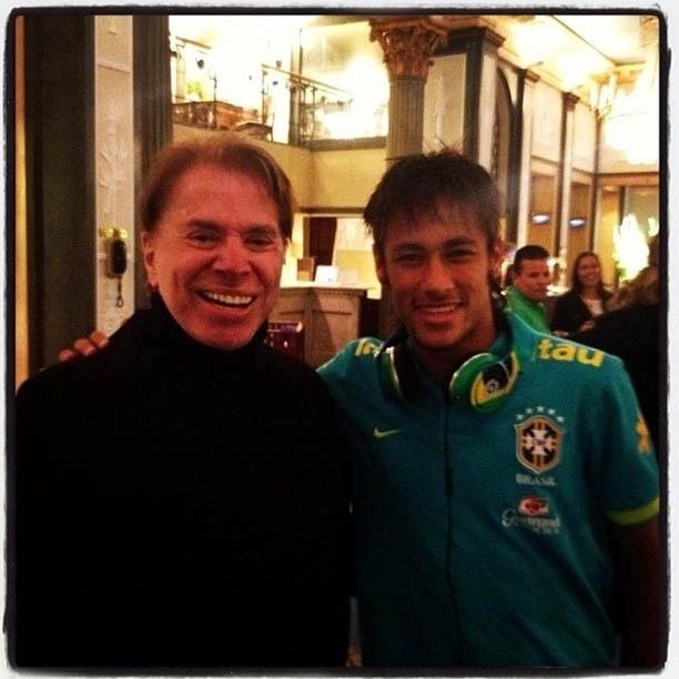 Neymar divulga foto ao lado de Silvio Santos