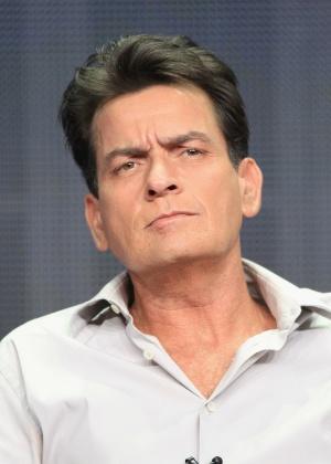 Charlie Sheen revelou em novembro do ano passado ser portador do vírus da Aids - Getty Images