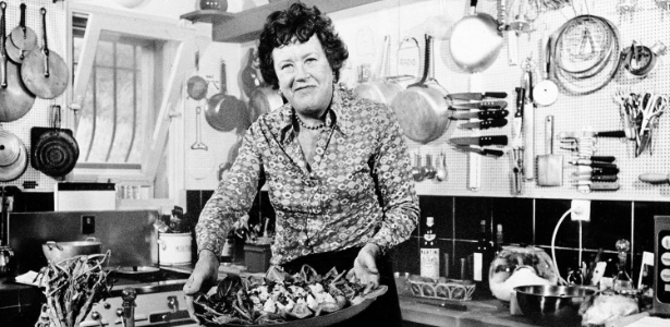 Julia Child (1912-2004) ajudou a popularizar os pratos e as técnicas da cozinha francesa