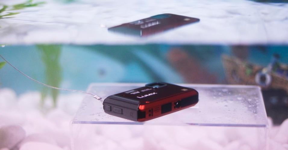 Câmera digital Panasonic Lumix TS20