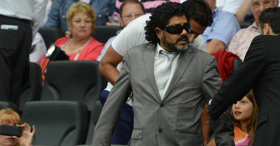 Diego Maradona marcou presença nas arquibancadas para acompanhar o amistoso entre Alemanha e Argentina