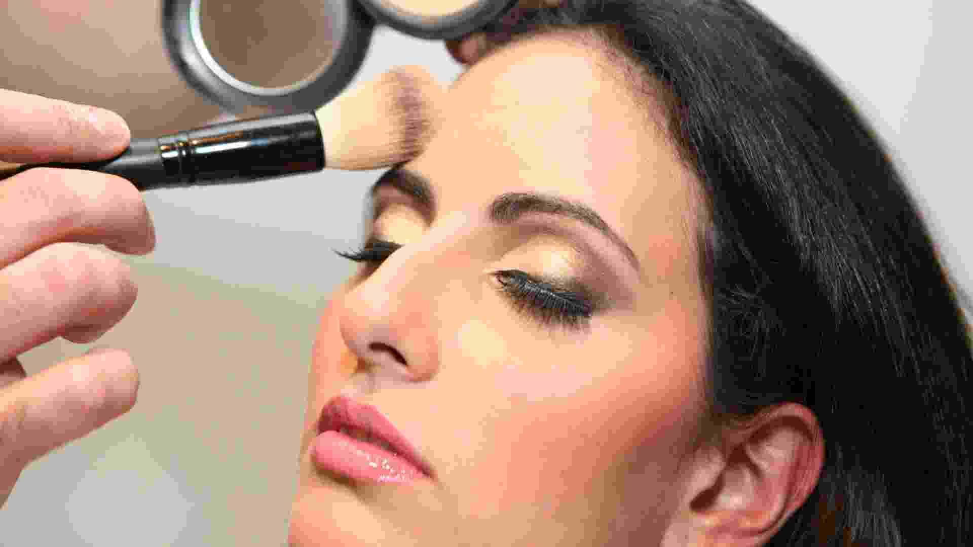 Imagem passo a passo make e cabelo Sheraton - Monalisa Lins/UOL