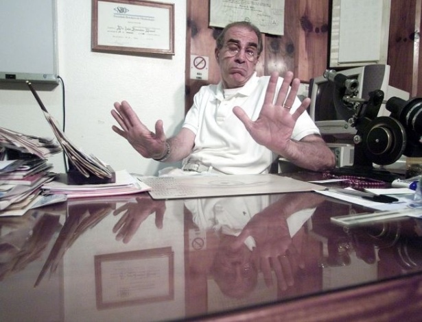 16.ago.2012 - João Francisco Daniel, irmão do prefeito assassinado, faz denúncia de esquema de propinas para financiar campanha do PT, que teria sido a causa, segundo ele, do assassinato