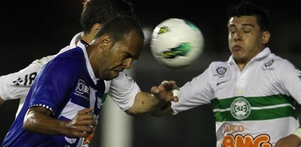 Vasco amargou empate por 2 a 2 com o Coritiba em São Januário e perdeu a chance de assumir a vice-liderança do Brasileirão