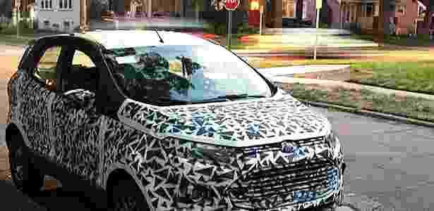 Ford EcoSport camuflado é fotografado Detroit pela revista americana Autoweek - Hadi Kadri/Autoweek