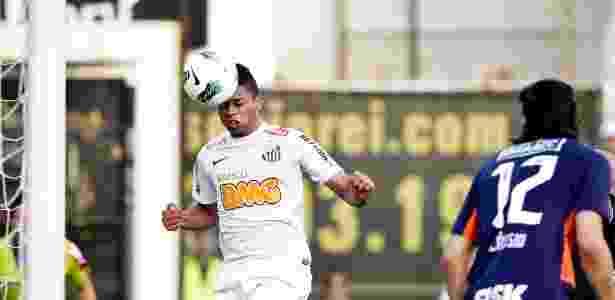 André cabeceia livre em lance no clássico contra o Corinthians - Adriano Vizoni/Folhapress