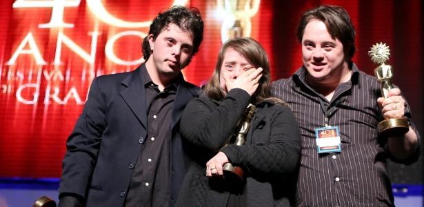 Os atores Breno Viola, Rita Pokk e Ariel Goldenberg (da esq. para a dir.)