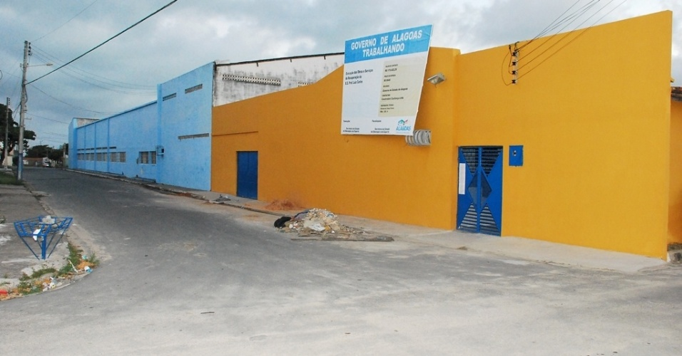 Escola Estadual Professor Luis Carlos, localizada no bairro do Trapiche, em Maceió, não ainda não iniciou as aulas e registrou a pior nota do Ideb 2011 de Alagoas