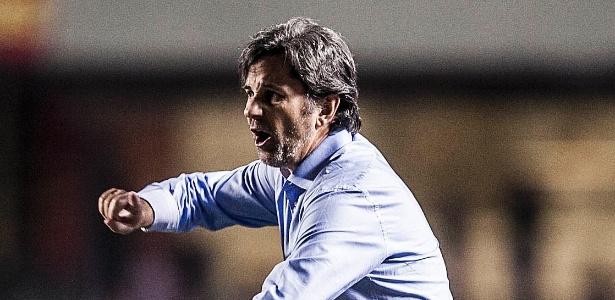Caio Júnior em ação; técnico foi contratado pela Chapecoense
