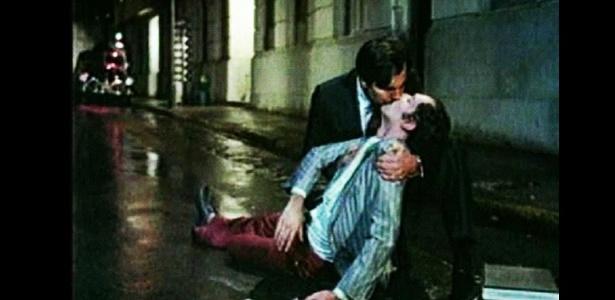 """Cena do filme """"O Beijo no Asfalto"""", de Bruno Barreto, com Tarcísio Meira e Ney Latorraca  (1980) - Divulgação"""