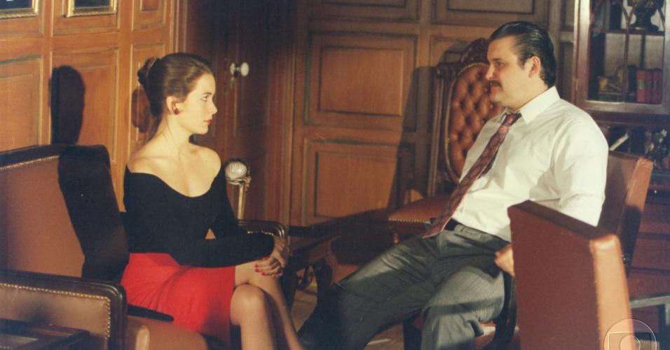 """Cláudia Abreu e Antonio Calloni protagonizam o episódio """"Amor Mercenário"""", da série """"A Vida Como Ela É"""" (10/11/1996)"""