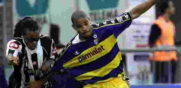 Bons tempos: Adriano Imperador vestiu a camisa do Parma de 2002 a 2004 - Claudio Papi/Reuters