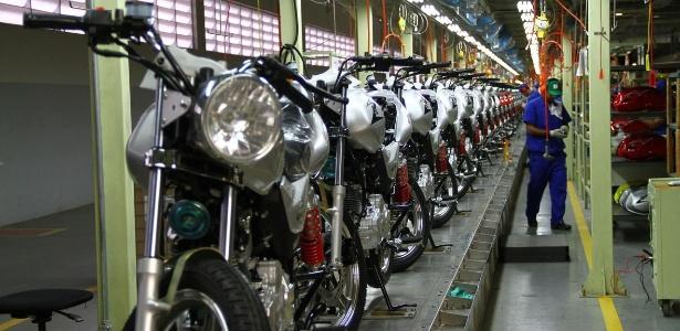 Avesso à euforia do mercado de carros, segmento de motos vê unidades se acumularem - Infomoto