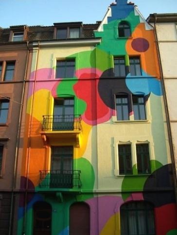Tá achando sua casa um pouco apagadinha? Inspire-se nesta casa e traga bolhas coloridas para sua vida