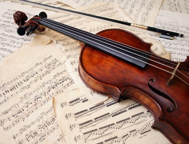 Pesquisa comprovou que ouvir música pode ter efeitos benéficos no tratamento de dores crônicas - Shutterstock