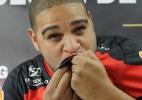 Sem time, Adriano só pensa em retorno ao Fla. Dirigentes rechaçam 'cavada'