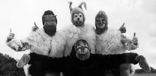 """Beatles aparecem mascarados em imagem de divulgação de """"The Magical and Mistery Tour"""", lançado em 1967 - Divulgação"""