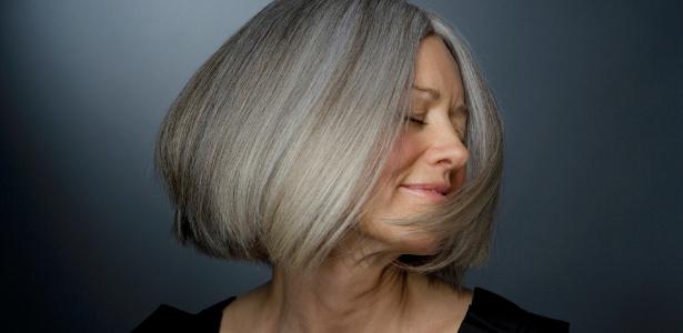 Com as dicas dos especialistas é possível assumir os cabelos grisalhos de maneira elegante - Thinkstock