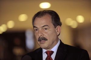 O ministro da Educação, Aloizio Mercadante, durante entrevista em Brasília