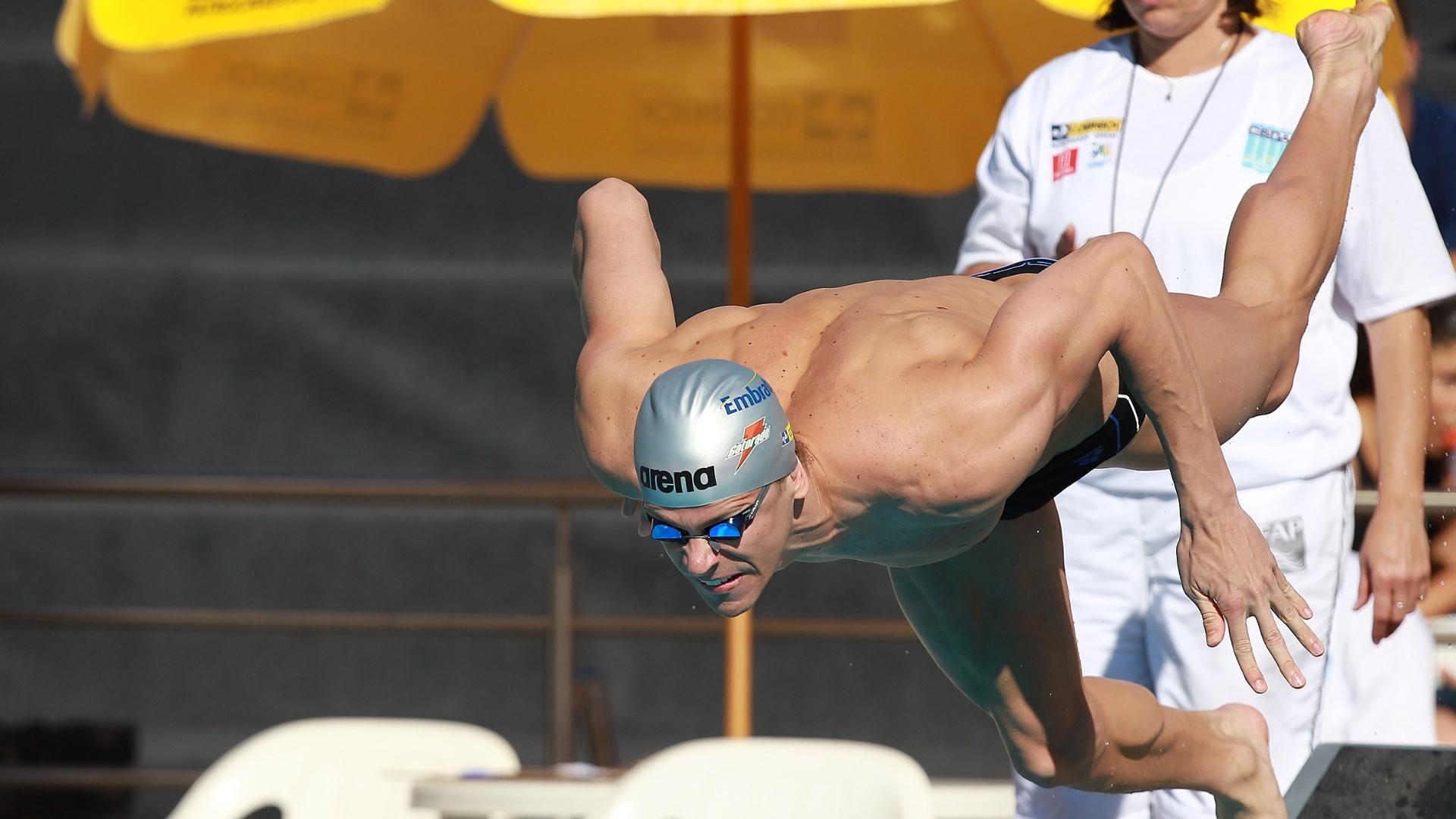 Cesar Cielo mergulha para nadar as eliminatórias dos 50 m borboleta no Troféu José Finkel (24/08/2012)