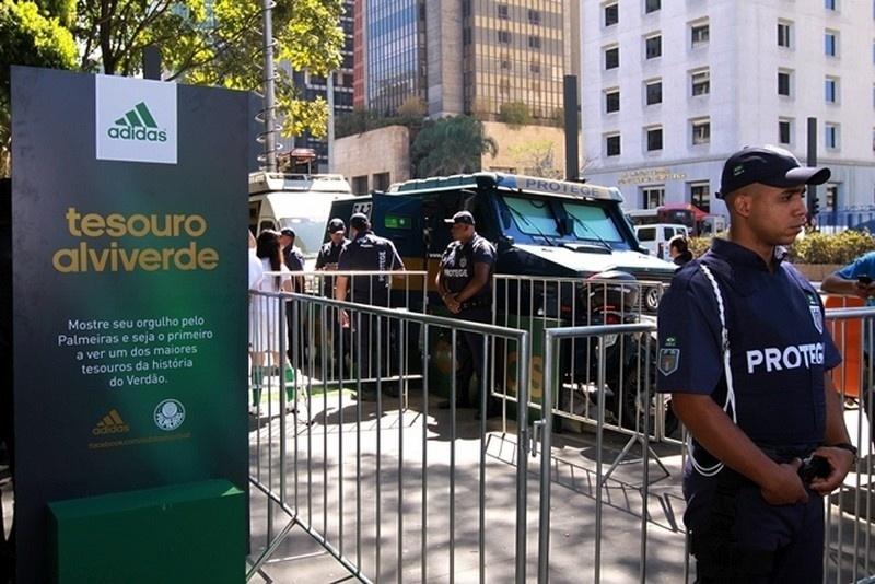 O evento de divulgação do novo uniforme foi realizado na Av. Paulista nesta sexta-feira (24/08)