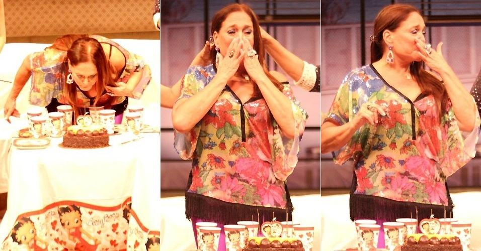 Susana Vieira se emociona ao receber festa pelos 70 anos, no Rio de Janeiro (23/8/12)